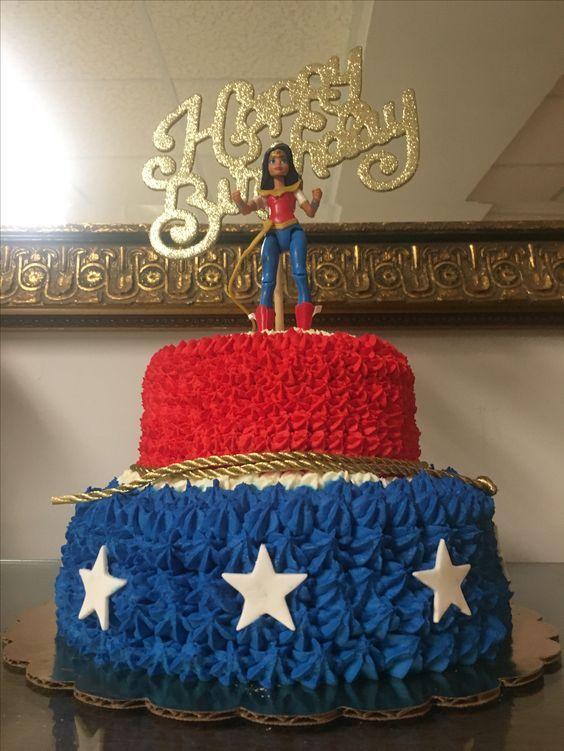 Wonder Woman Cakes