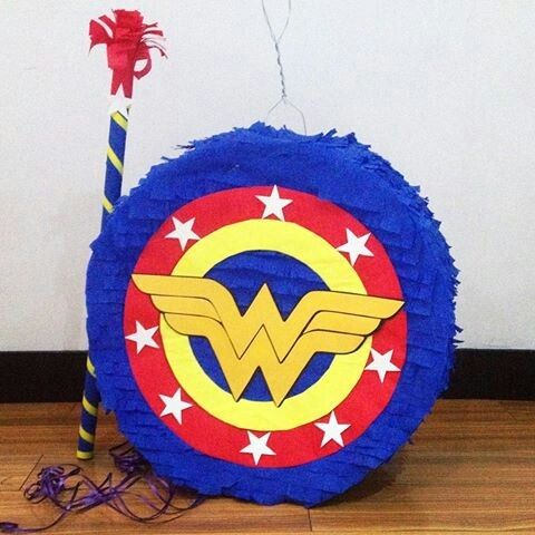 Wonder Woman Piñatas