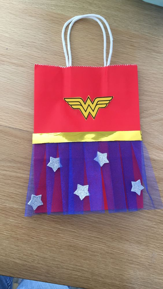 Wonder Woman Party Accessories