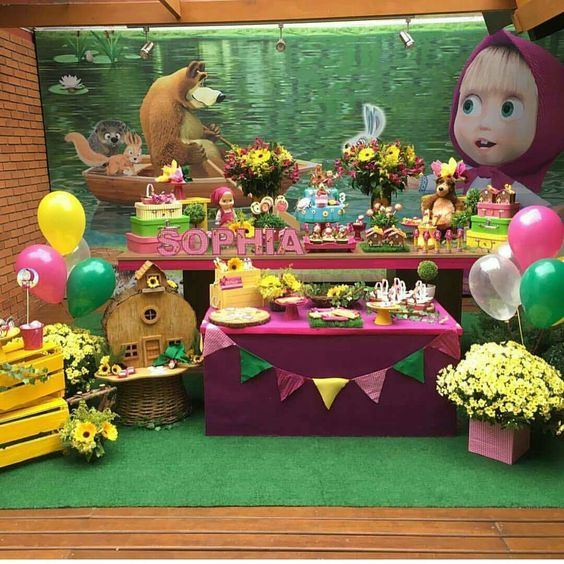 Decoration of candy bar of masha and the bear