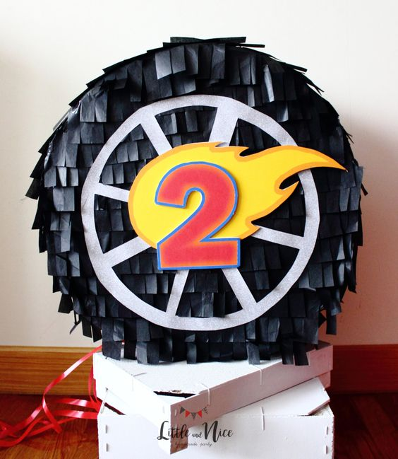 Hot wheels piñatas