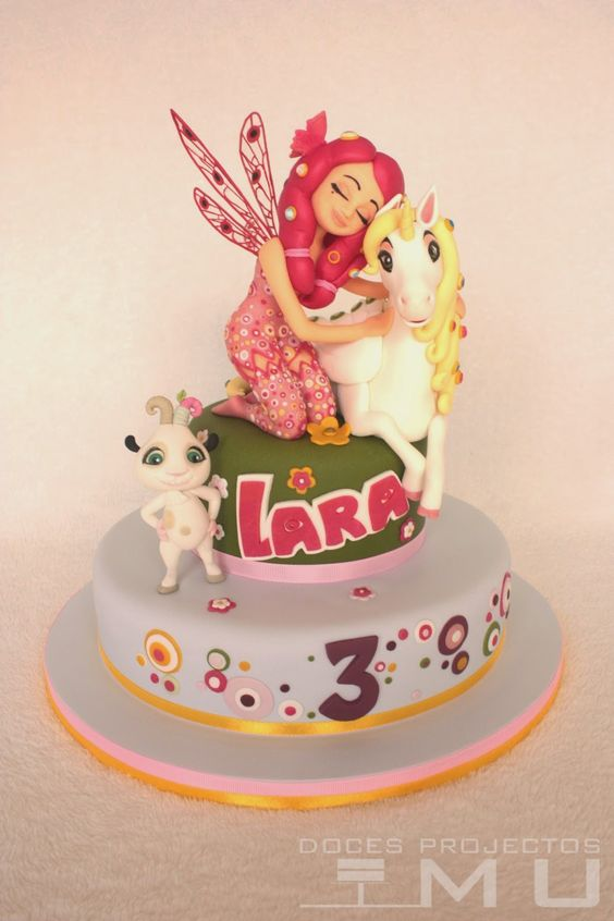 cake design by mia and me