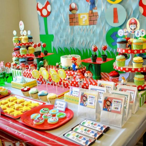 Super Mario Bros is the ideal way to decorate your Son's Birthday Party!
