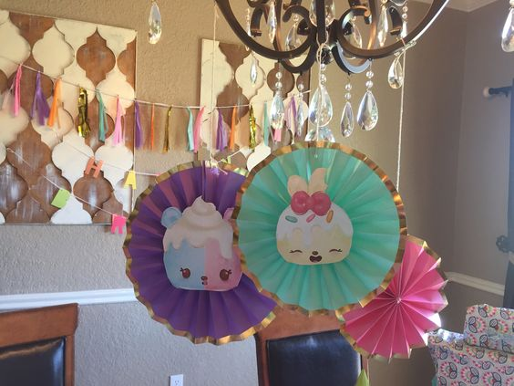 decoration of num noms with paper