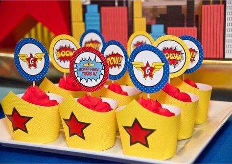 Wonder Woman Dessert Tables (3)