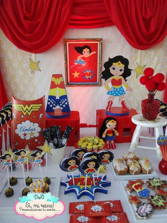 Wonder Woman Dessert Tables (2)