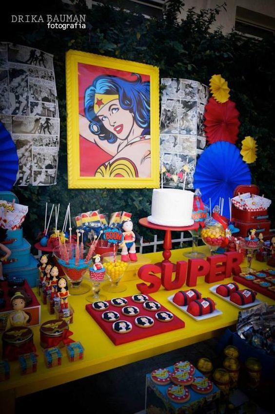 Wonder Woman Dessert Tables (1)