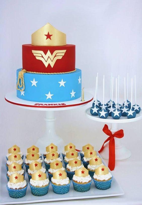 Wonder Woman Cakes (2)