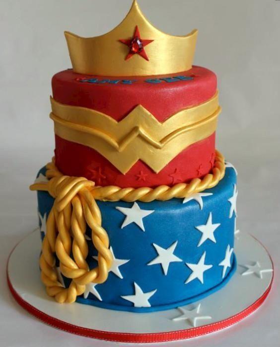 Wonder Woman Cakes (3)