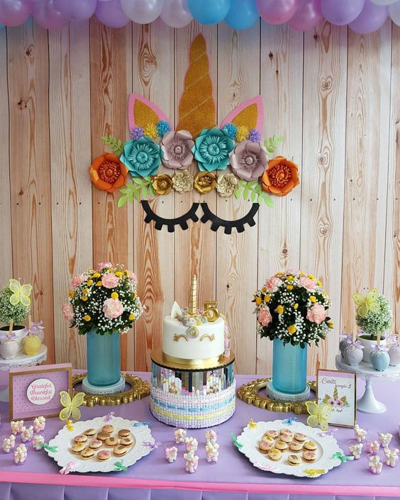 unicorn dessert table (1)