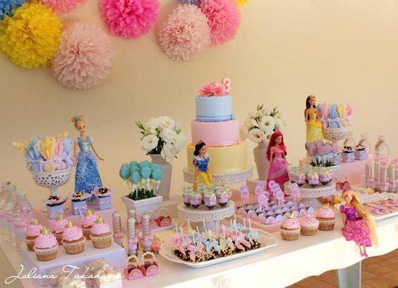 princess dessert table (2)