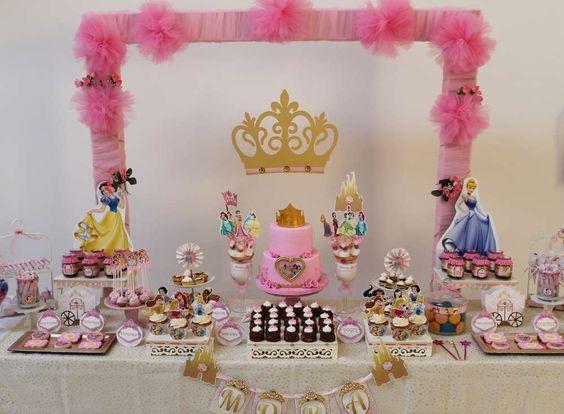 princess dessert table (1)
