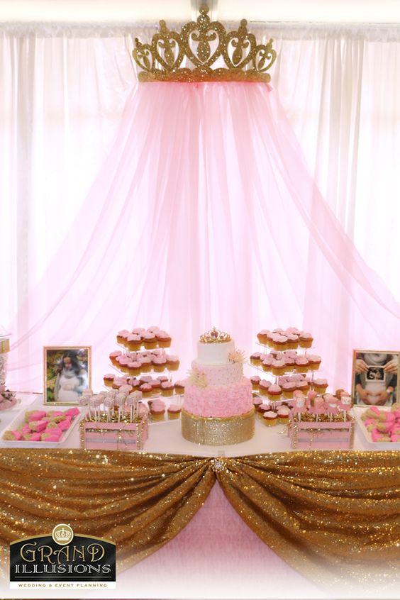 royal dessert table for nina (1)