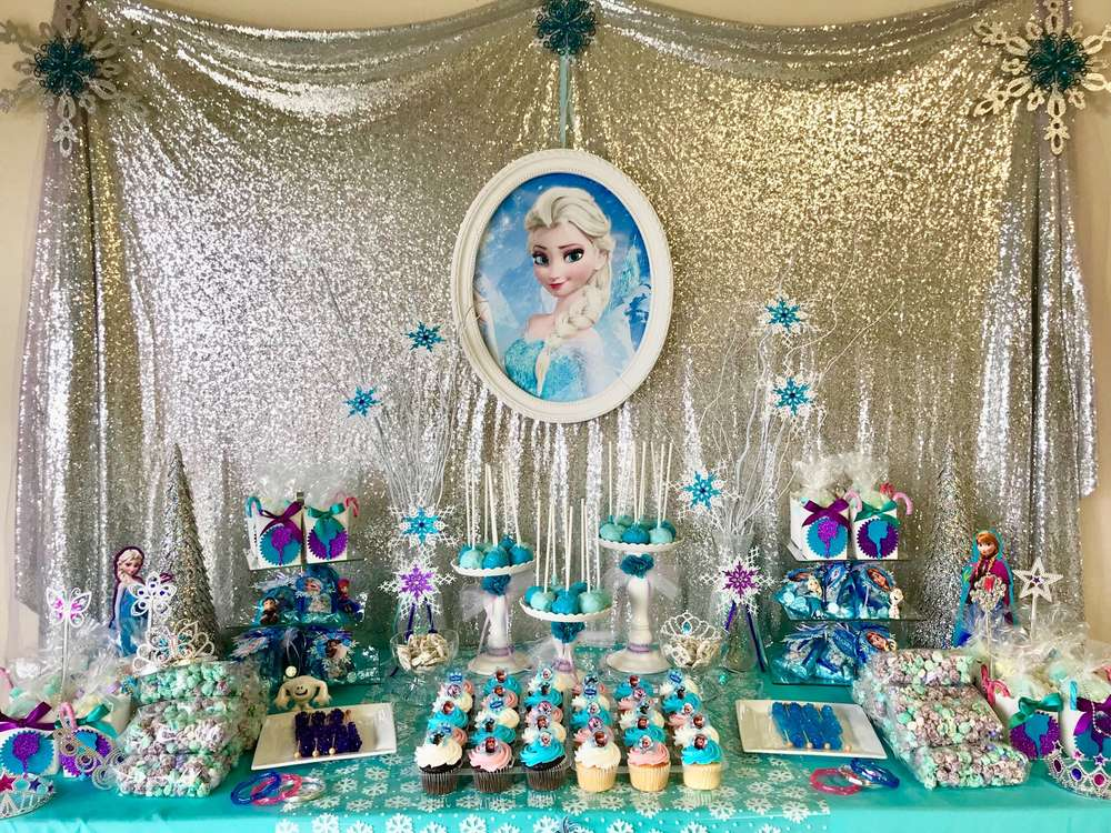 how to decorate frozen candy table 3