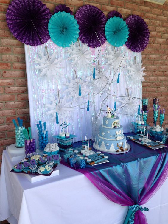 Simple Frozen Decoration 2