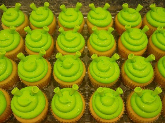 Children's party cakes from shrek.jpg7