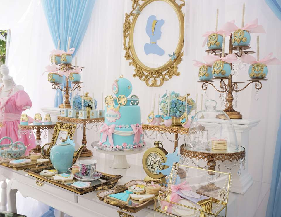 Decoration main table Cinderella party (8)