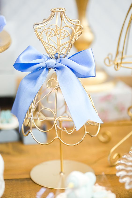 details for candy table Cinderella theme (5)