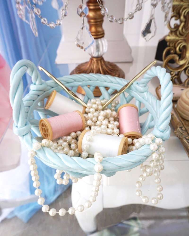 details for candy table Cinderella theme (3)