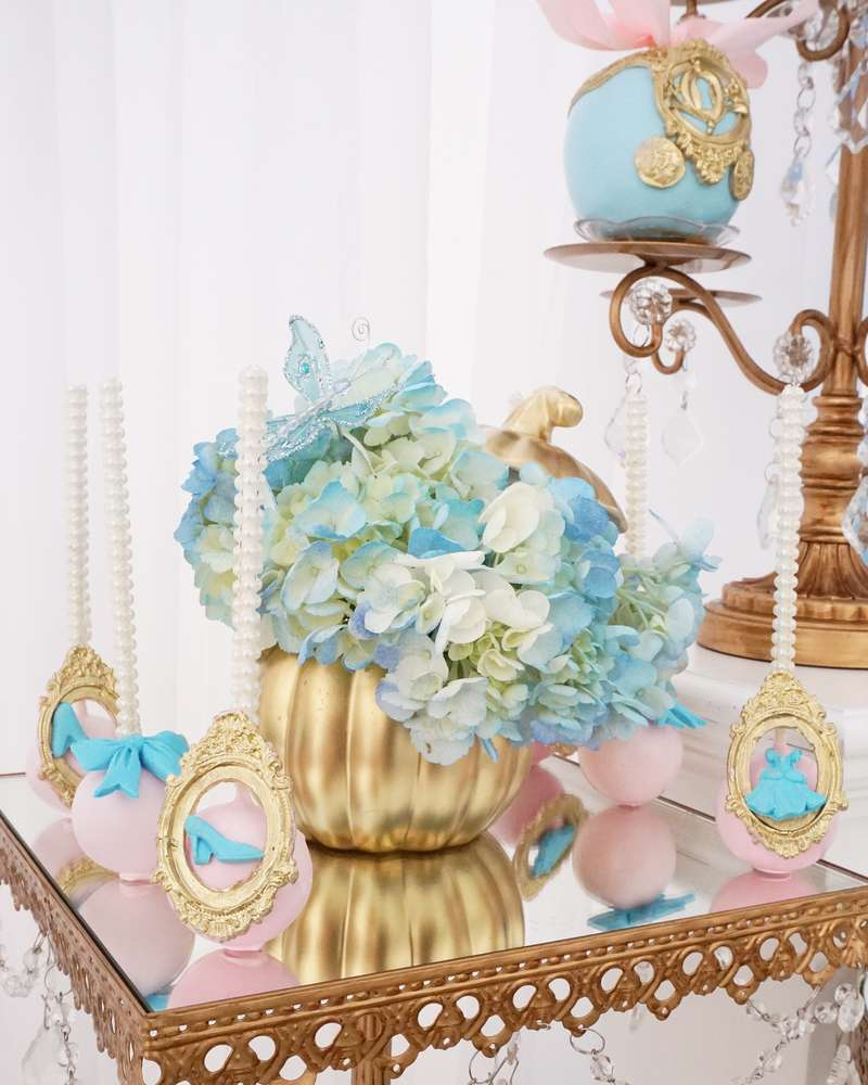 details for candy table Cinderella theme (2)