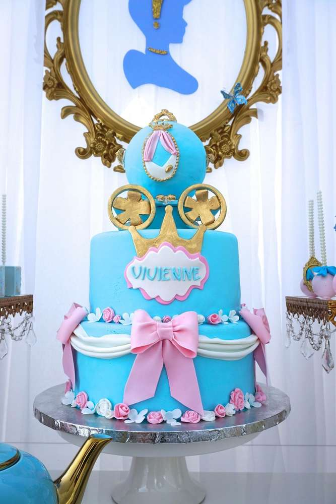 2-layer cake for Cinderella party