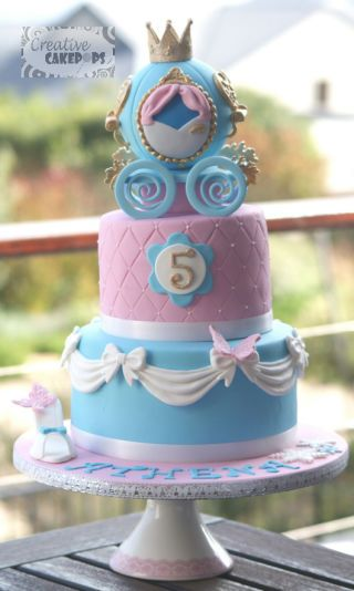 fondant cake of cenicienta
