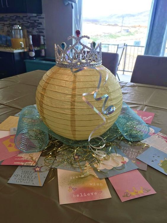 centerpiece for Cinderella party (3)