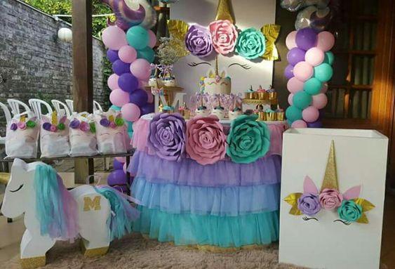main table decoration unicorn party (7)