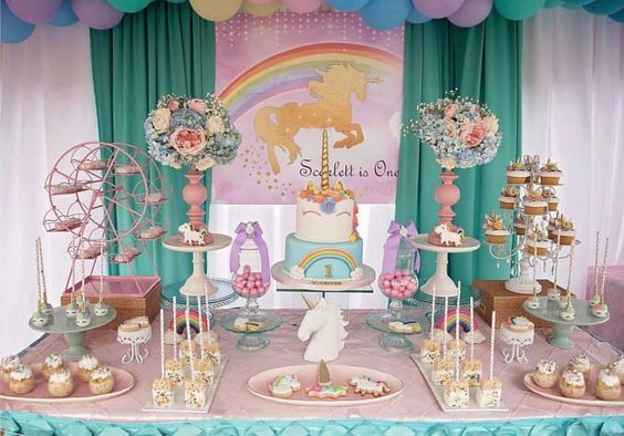 main table decoration unicorn party (9)