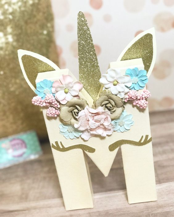 Personalized details for unicorn party