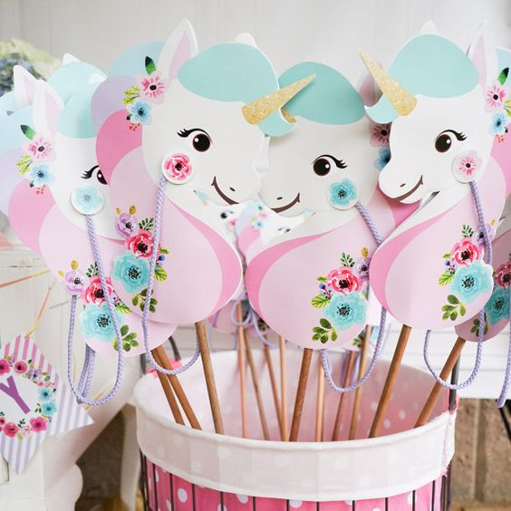 Personalized details for unicorn party (7)