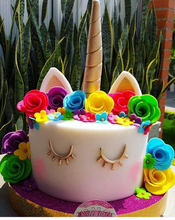 unicorn fondant cake for nina