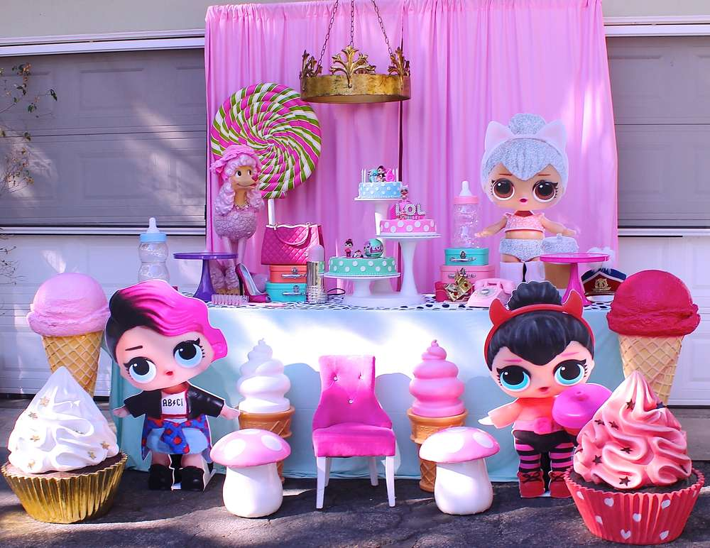 general decoration for a party of nina dolls lol