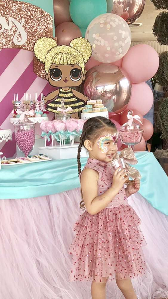 how to decorate a birthday party for nina dolecas lol (4)