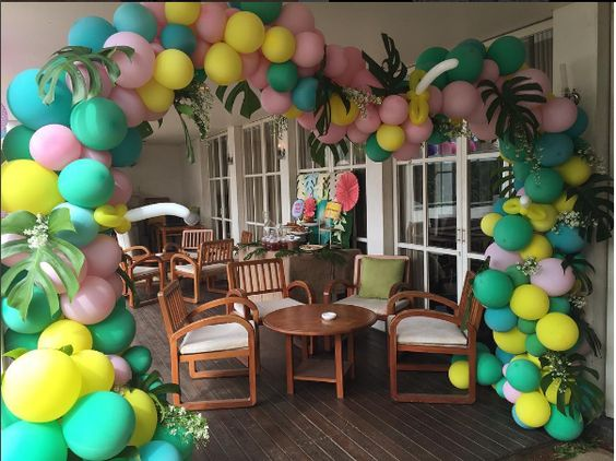 balloon arch for the entrance of a party of nina (6)