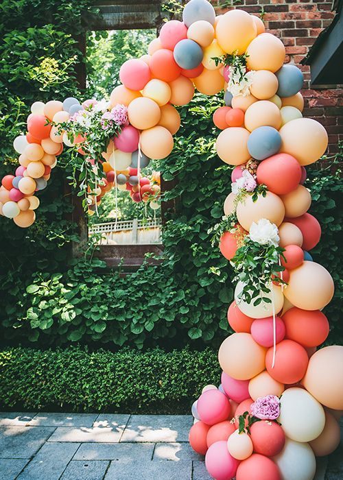 balloon arch for the entrance of a party of nina (4)
