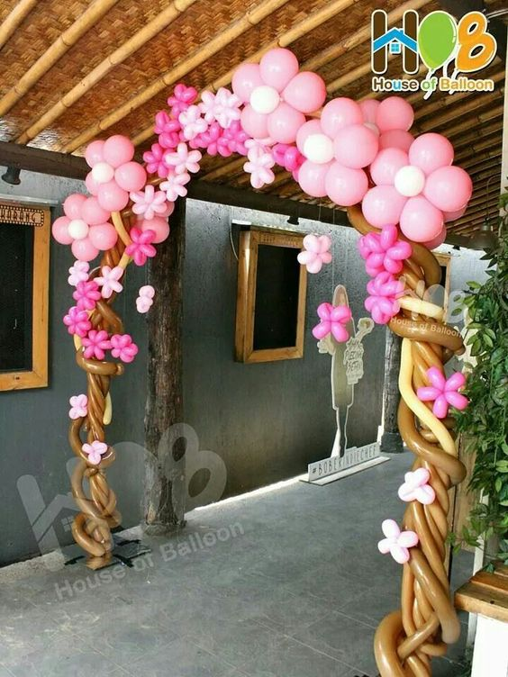 balloon arch for the entrance of a party of nina (8)