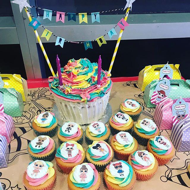birthday cake a floor theme doll lol (5)