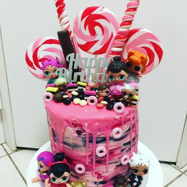 birthday cake a floor theme doll lol (7)