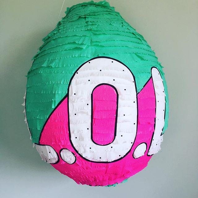 pinata for birthday of nina theme dolls lol (2)