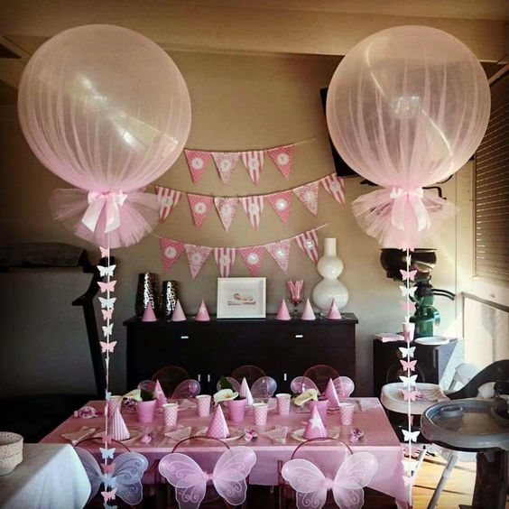 Decoration of parties with balloons and tutus
