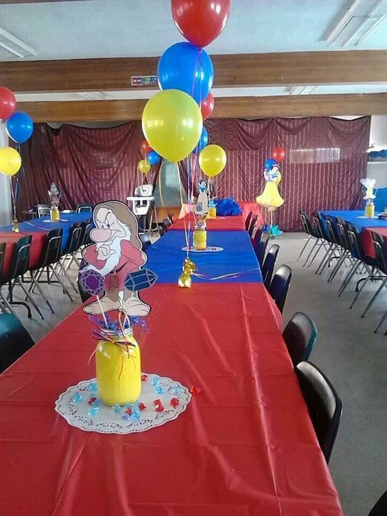 Snow White Party Centerpieces