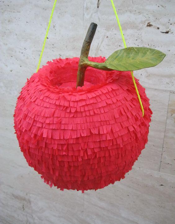 Snow White Piñatas