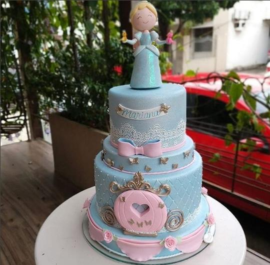 Elegant Cinderella Cakes