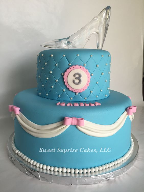 Cinderella party cakes with 2 floors