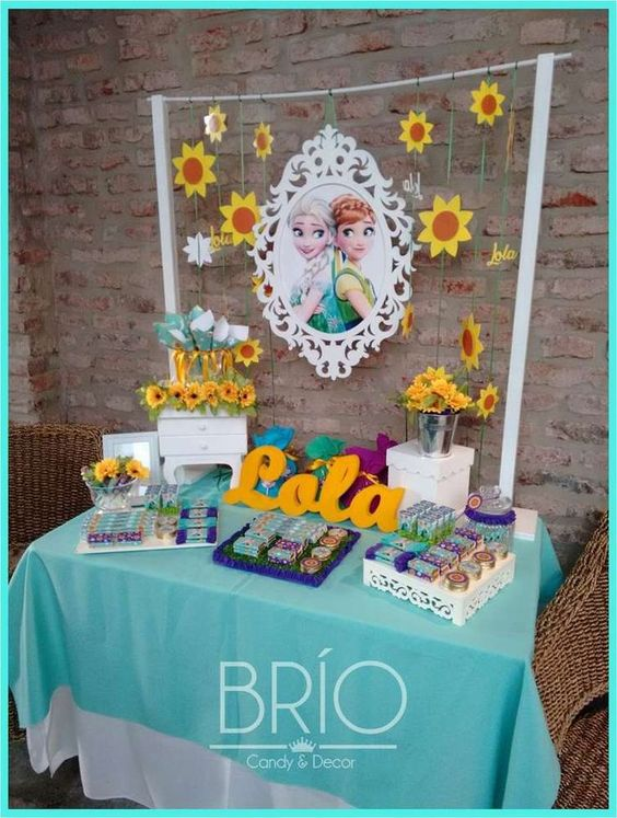 Decoration of a Frozen Fever party