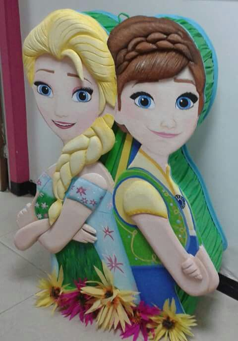 Piñatas of frozen fever