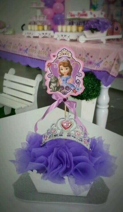 Princess Sofia's centerpieces
