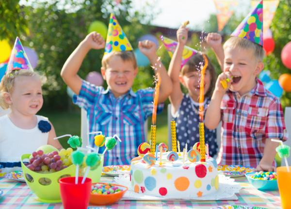 How to organize a party for 10 and 11 year olds - ORIGINALIS e FÁCEIS - Ideas of themes for meninas and meninos