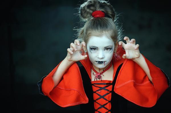 Como fazer uma fantasia de vampiro - Childhood Female Vampire Fantasy